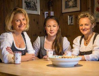Salzburger Dreigesang 2018: Elisabeth Radauer, Leni Schwaighofer und Helene Widauer © Leo Hartinger