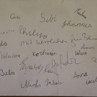 Spendenkuvert mit den Unterschriften von E. und J. Radauer und den Hirtenkindern © Claudia Tomasini