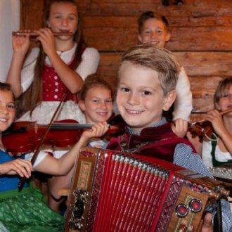 Hirtenkinder beim Proben für das Konzert mit der Salzburger Bachgesellschaft und das Adventsingen des Salzburger HirtenAdvent © Carina Ott
