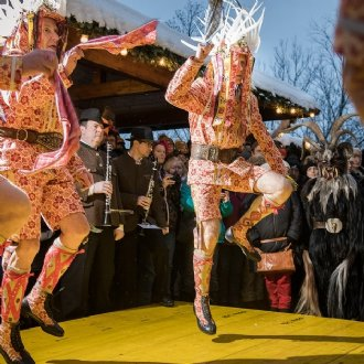 Mitwirkende 2021: Alpinia-Tresterer (bei ihrem Tanz) © Alpinia-Tresterer