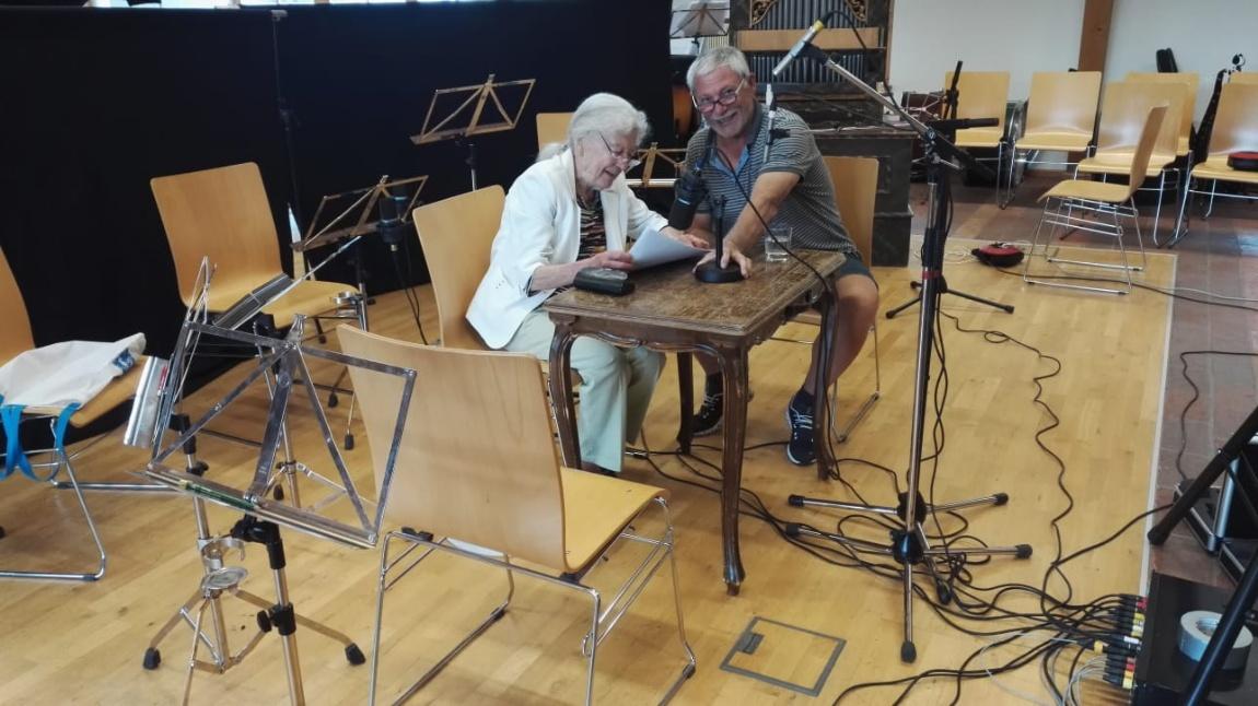 Neuigkeit: Julia Gschnitzer bei den Aufnahmen für die CD © Salzburger HirtenAdvent