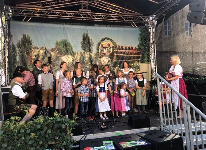 Auftritt der Hirtenkinder am Rupertikirtag in Salzburg © Salzburger HirtenAdvent